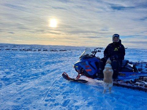 DYRENES BESTE: Asllat Niilas Smuk vil bare dyrenes beste. Bildet er tatt sør for Krokvann.