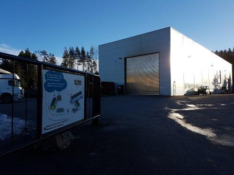 TØFFE TIDER: Vestmar Production  i Sannidal eies av Kragerø Sparebank. Selskapet opplever harde tider og følger nå med over til Skagerrak Sparebank.