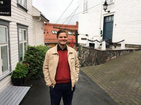 VIL KUTTE: Tobias Drevland Lund mener at politikerlønna må ned.