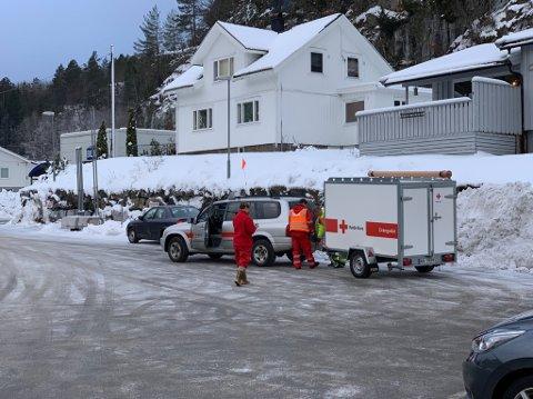 LETEAKSJON: Letemannskapet til Røde Kors hadde tatt oppstilling ved Esso-stasjonen i Sannidal lørdag ettermiddag.