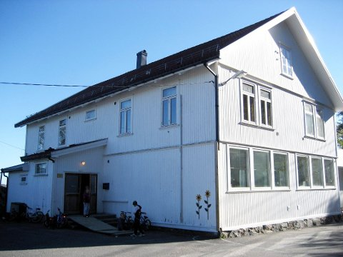 NEDLAGT: Tåtøy skole er en av mange skoler som har blitt nedlagt i Telemark det siste tiåret. (Arkivfoto: Jens Petter Solstad)