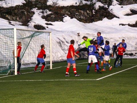 Sindre Stenger Vala scoret sitt andre mål for sesongen mot Klyve. Her scorer han i første seriekamp mot Gjerpen.