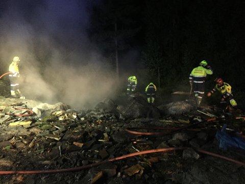 En mindre skogbrann i Myraveien på Levangsheia ble raskt slukket natt til tirsdag.