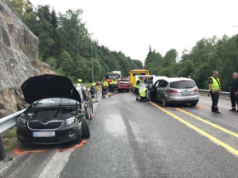 Alle bilene som var involvert i ulykken, måtte hentes av bilberging.
