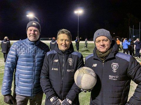Ny jobb: Per Apelseth sammen med styreleder Petter Langlo (t.v.) og avtroppende daglig leder Yngve Bruksås (t.h.).