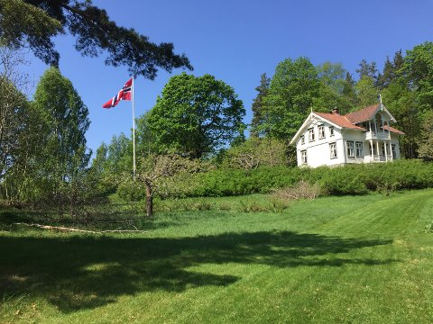 IDYLLISK: Grønøya er et gammelt gårdsbruk som har vært i Einar Grønstads familie i nærmere 200 år.