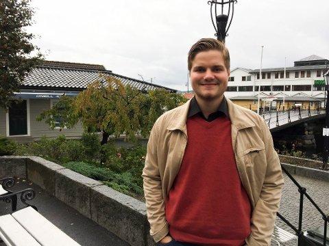 Tobias Drevland Lund fra Kragerø er leder av Rød Ungdom.