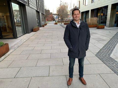 Kurt Thingstad leier nå lokaler i Kammerherreløkka 5, ved siden av Comfort Hotel. 1. februar flytter de opp til Skien, men planen på sikt er å også åpne et fast kontor i Porsgrunn. – Vi skal være til stede i Porsgrunn, sier Hovenga-mannen.