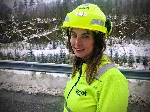 – Det er hyggelig at det er ryddigere langs veiene, men jeg skulle gjerne sett flere folk, sier Berit-Janita Myrland.