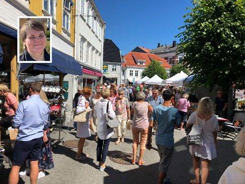 Daglig leder i Kragerø Næringsforening, Janna Pihl tror at det kan bli mange turister i Kragerø i sommer.
