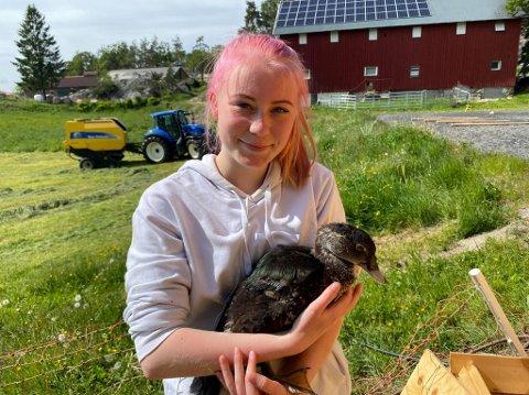 Helene Johnsen gleder seg over å kunne jobbe på Hagvoll Gård.