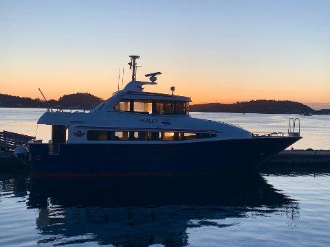 UTE AV DRIFT: Hurtigbåten «Perlen» erstattes av taxibåter fram mot nyttår.