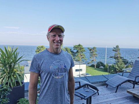 LANG SVØMMETUR: Bjørn Skollerud (41) var initiativtager til den lange svømmeturen over til Østfold-siden.