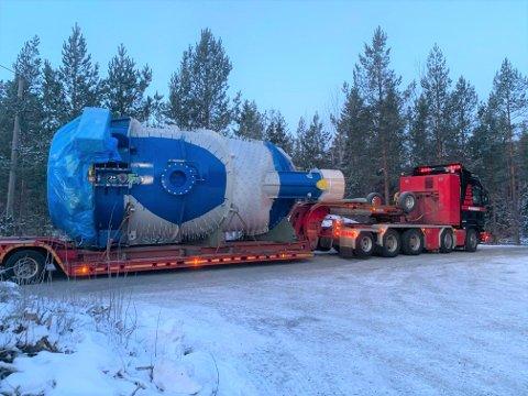 Turbin på henger til Dalsfoss.