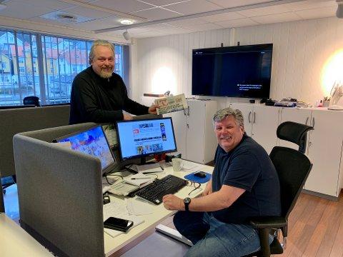 STOLTE: Både KV-veteran Per Eckholdt og redaktør Espen Solberg Nilsen er svært stolte over opplagsveksten som Kragerø Blad Vestmar har hatt de siste årene. - Vi vil takke både trofaste og nye abonnenter, sier de to.