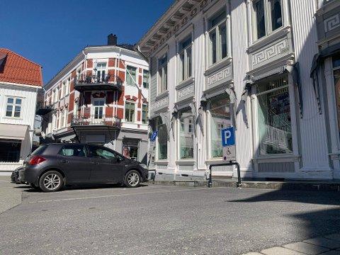 Jernbanekaia, Ytre Strandvei, Kirketomta og de tidligere parkometerplassene i indre deler av sentrum kan få to timers gratis parkering utenfor sommersesongen.