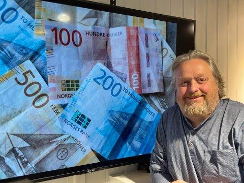 – Dette er den artigste dagen i året, når vi kan dele ut såpass mye penger til gode lokale tiltak, sier KV-redaktør Espen Solberg Nilsen.