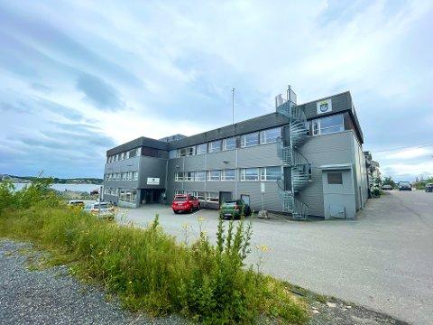 Helsestasjonen holder til i kommunens administrasjonsbygg på Tangen.