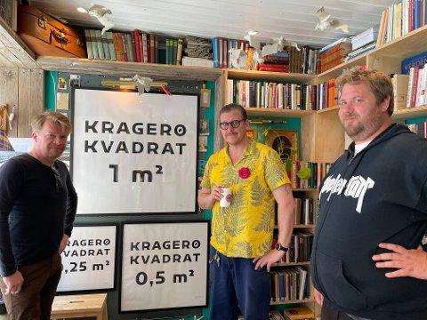 Kragerø-kvadratmeteren koster 85.000 kroner. Fra venstre: Sindre Bremnes, Daniel T.J. Paulsen og Kenneth Apeland.