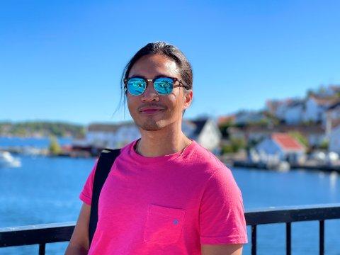 NY I BYEN: Lael Aprieto er ansatt som kommunens nye arealplanlegger. Han er også en ivrig fridykker og hobbyfotograf.