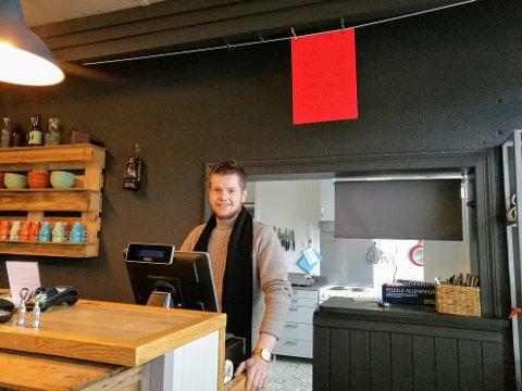Martin Myrvold ser fram til å driva kiosk på fulltid på Hatlestrand. (Foto: Privat).