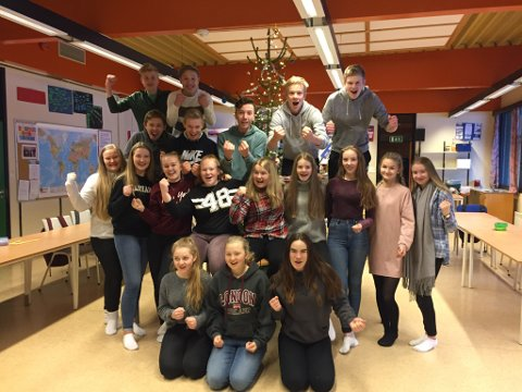 Glade vinnarar på Hatlestrand skule (Pressefoto)