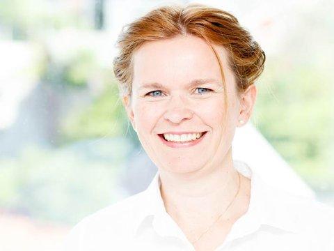 Forskar Miriam Hartveit jobbar i Helse Fonna ved Valen sjukehus, og bur på Sunde. No skal ho leia eit studie som har fått 2,4 millionar i støtte. I fjor fekk Hartveit Helse Vest sin Kvalitetspris for forskinga si. (Pressefoto).