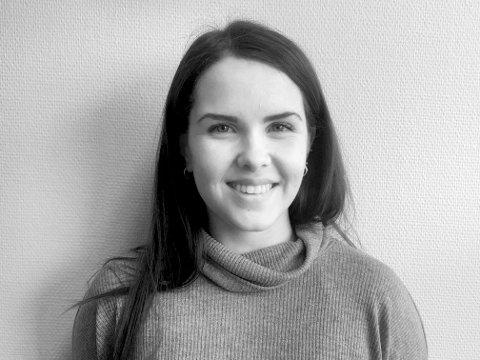 Karen Anna Kleppe vil bli journalist. (Foto: Nynorsk avissenter/Bent Are Iversen, Firda).