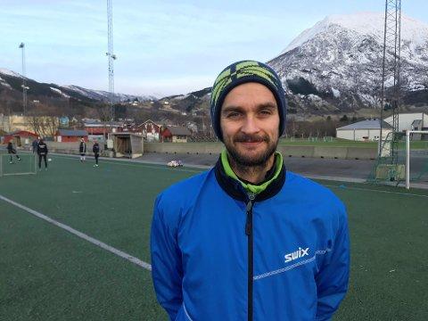 Johnny Furdal har hatt ein strålande vårsesong for Nest-Sotra. Truleg blir den tidlegare Rosendal-, Haugesund- og Trio-spelaren Viking-spelar i løpet av kort tid. Arkivfoto: Håvard Røyrvik.