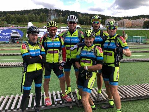 GLADE GUTAR: Seks av dei sju ryttarane som køyrde som lag. Tore Petterson (t.v.), Kjetil Mehl, Frode Sønstabø, Gunnar Helleland, Håvard Pedersen og Rune Haugland. (Foto: Privat).