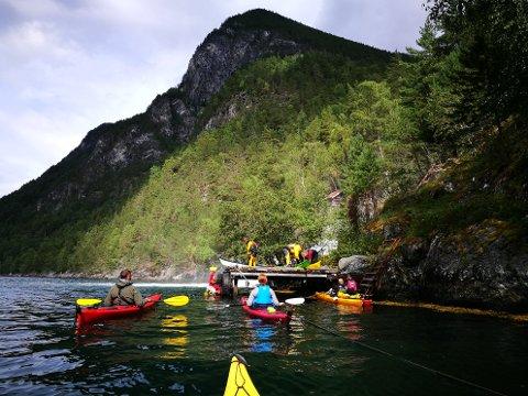 IDYLL: Nærøyfjorden gjorde verkeleg inntrykk på medlemene frå Kvinnherad Turlag som nyleg var der på padletur. (Foto: Privat).