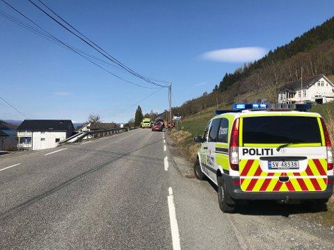 Bilulukka skjedde på strekkja i nærleiken av Kvinnherad Energi. (Foto: Håvard Røyrvik).
