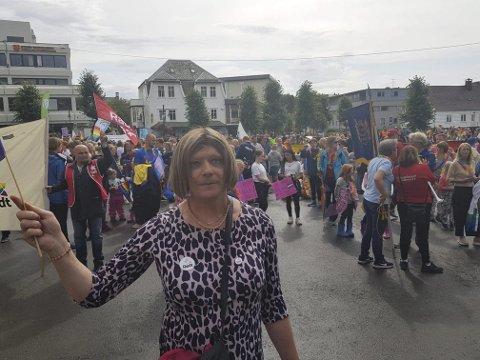 Torunn Hjortland frå Rosendal var av fleire kvinnheringar som deltok i pride-feiringa på Stord laurdag. (Foto: Privat).