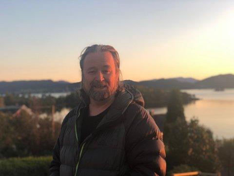Debutboka til Kjell Einar Thorkildsen (63) har gjort det bra.