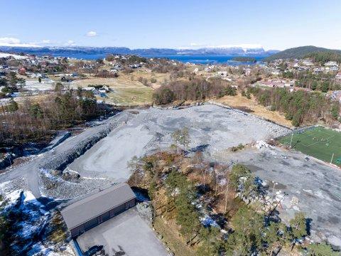 Kommunestyret vedtok nyleg at Kvinnherad Arena skal byggast stort sett etter eksisterande planar, men (tilkomst)vegen dit har vore turbulent.