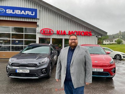 STOR AUKE: – Eg trur aldri det har vore selt så mange bilar, seier dagleg leiar for S. Rødsten Bilforretning, Vegard G. Jegteberg.