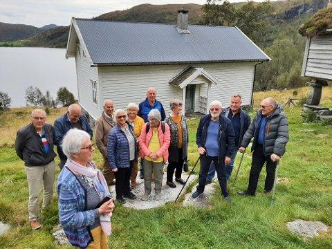 TURFØLGJET: Her ser du gjengen som var på tur til Sogn og Sunnfjord i midten av september.