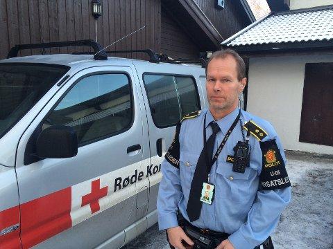 INNSATSLEDER: Arne Koppergård organiserer leteaksjonen fra Røde Kors-huset. FOTO: TONHILD S. STRAND
