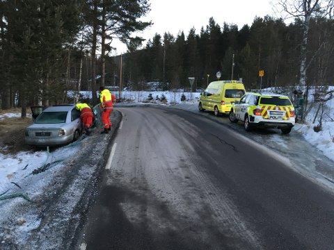 I GRØFTA: Utforkjøringen skjedde like før Pikerfoss camping.