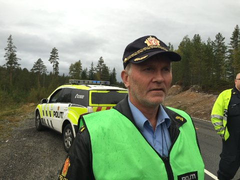 Granat: Arne Vagnild i Kongsberg-politiet var med da en granat ble uskadeliggjort i Svene fredag. Bildet er tatt ved en tidligere anledning.