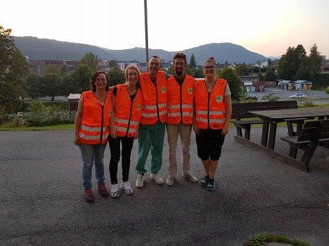 15 frivillige er med i den nå operative sanitetsgruppen til Norsk Folkehjelp Kongsberg. F.v: Laila Voldby Lauersen, Annette Medalen Østvold, Gernot Ernst, Martijn Vervoorn, Cecilie Haukvik