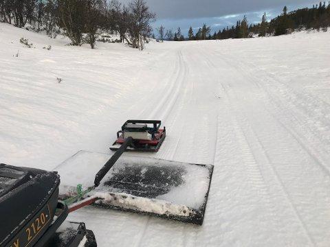 FERSKE SPOR: Nå er det bare å finne fram skiene. Mange skiløyper ligger klare.