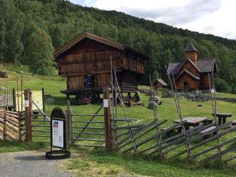 MYE HISTORIE: Nore og Uvdal bygdetun er av de mest besøkte kulturminnene i kommunen.