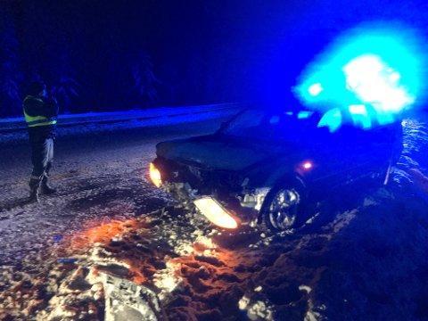 KRASJET: De fire personene som satt i bilen kom fra sammenstøtet med fjellveggen uten alvorlige skader.