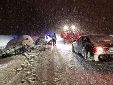 LANGEBRU: På E134 ved Langebru var to biler involvert i en trafikkulykke.