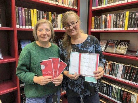 BIBLIOTEKARER:  Ivanka Zupanic (t.v.) og Sarah Judith Hovelstad inviterer voksne lesere til lesebingo