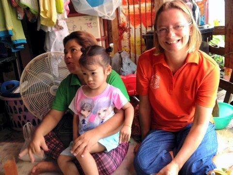 VIKTIG ARBEID: Margrethe Reve Brandsæter fra Hvittingfoss   jobber jevnlig til barnas beste i Bangkok. Helgens julemesse på Kongsberg menighetssenter er til inntekt for dette prosjektet.