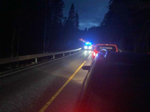 TRAFIKKULYKKE: Strekningen på E134 mellom Meheia og fylkesgrensa var i kveld midlertidig stengt grunnet trafikkulykke.