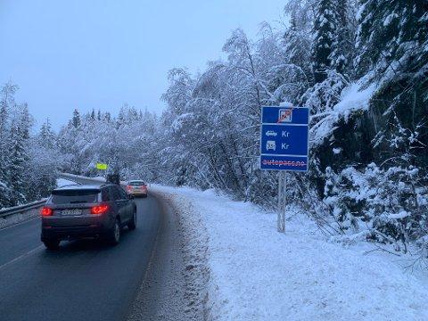 Det er enda ikke klart hva som skjer med bomstasjonen på Meheia etter at politikerne i Telemark forrige uke stilte seg negative til bom-flyttingen.