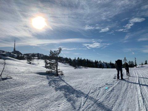 VARIERENDE VÆR: Det blir ingen drømmepåske med skyfri himmel og sol på skiturene i år.